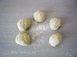 Татарские пирожки Вак балиш: Разделить тесто на части