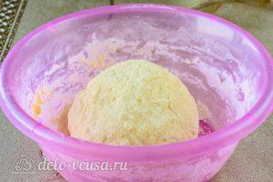Несладкие вареники с тыквой: Сформировать тесто