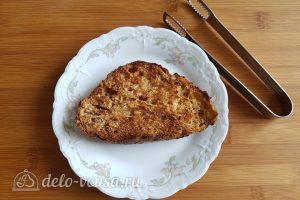 Бутерброды с авокадо и яйцом пашот: Хлеб подсушить в тостере