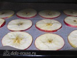 Яблочные чипсы в духовке: Отправляем в духовку
