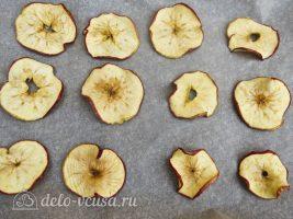 Яблочные чипсы в духовке: Доводим до готовности