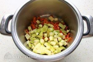 Кус-кус с овощами: Добавить кабачки