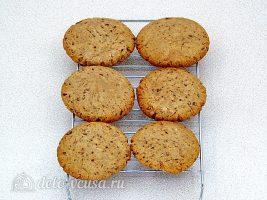 Печенье с кусочками шоколада: фото к шагу 10.