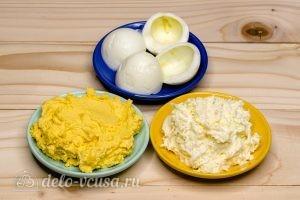 Салат Снежная королева: Подготовить яйца