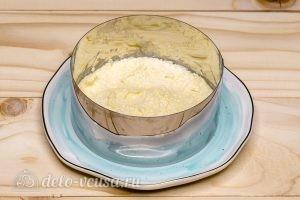 Салат Снежная королева: Слой плавленого сыра