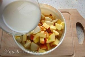 Фруктовый салат с грушей: Добавить йогурт