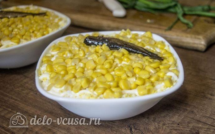 Салат со шпротами и кукурузой: фото блюда приготовленного по данному рецепту