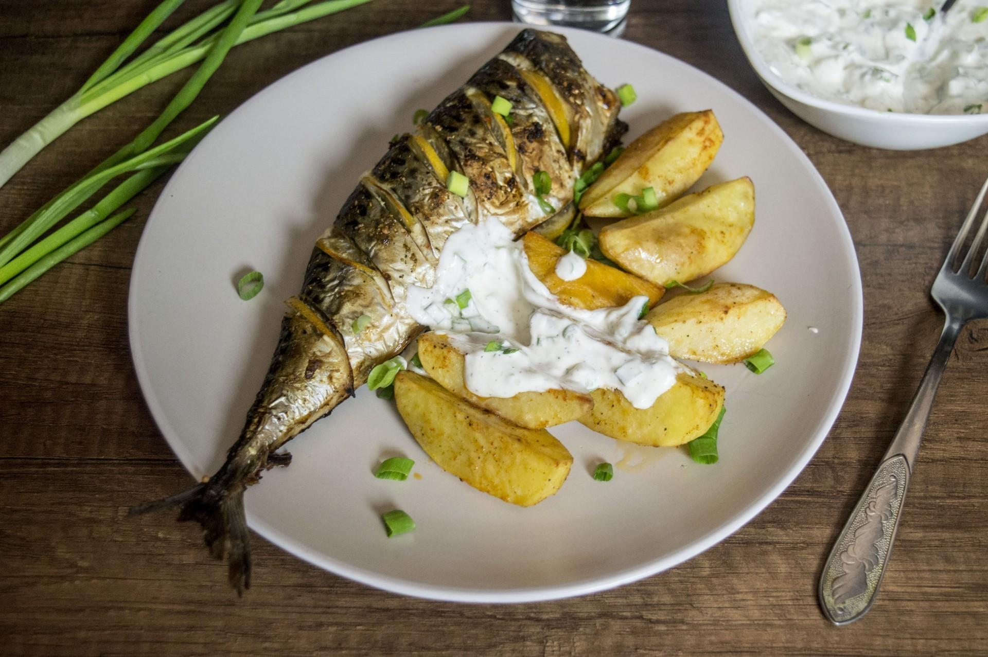 Рецепт скумбрия запеченная в фольге с лимоном