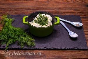 Тарталетки с красной рыбой и сыром: Нарезать зелень