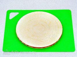Вафельные коржи треугольники с фаршем: фото к шагу 7.
