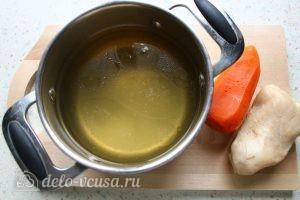 Заливное из курицы с желатином: Сварить бульон