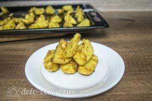 Картофель с пармезаном в духовке готов