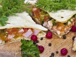 Кесадилья с курицей и сыром готова