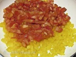 Кесадилья с курицей и сыром: Добавить помидоры