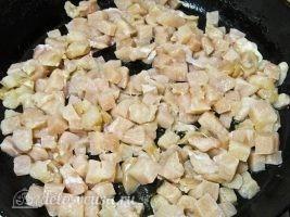 Кесадилья с курицей и сыром: Курицу порезать кубиками
