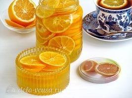 Лимон с сахаром в банке готов