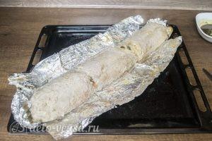 Мясной рулет с моцареллой, вялеными томатами и грибами: Вынуть рулет из духовки