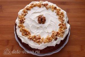Морковный пирог с орехами готов