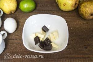 Муссовый торт Карамельная груша: Соединить масло и шоколад