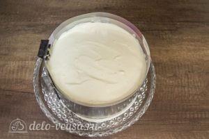 Муссовый торт Карамельная груша: Выкладываем оставшийся крем