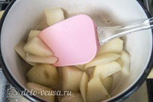 Муссовый торт Карамельная груша: Варим грушу