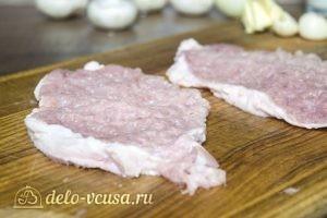 Отбивные из свинины с грибным соусом: фото к шагу 1.
