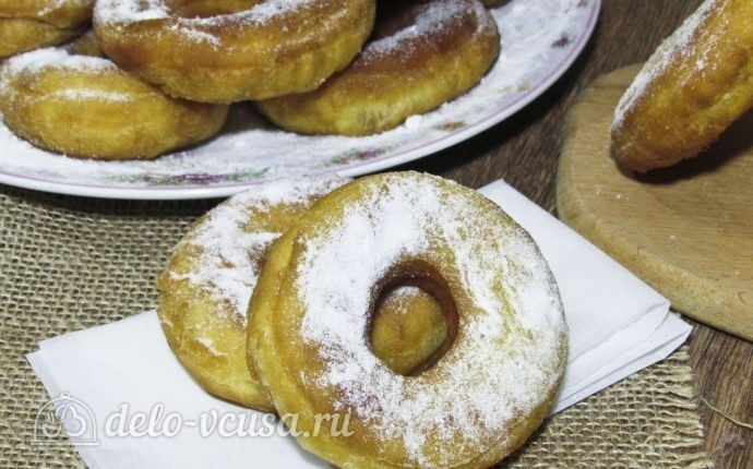 Сахарные пончики на кефире без дрожжей