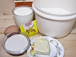 Сахарные пончики на кефире без дрожжей: Ингредиенты