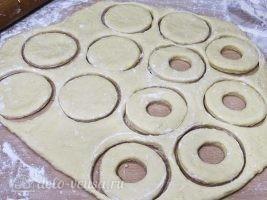 Сахарные пончики на кефире без дрожжей: фото к шагу 7