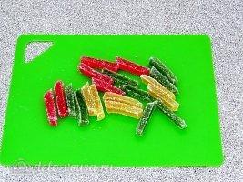Творожные рогалики с мармеладом: Подготовить мармелад