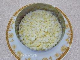 Слоеный салат с картофелем фри: фото к шагу 11