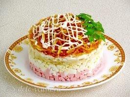 Слоеный салат с картофелем фри: фото к шагу 15