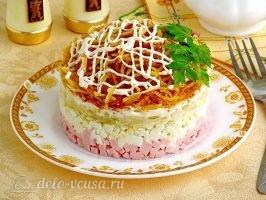 Слоеный салат с картофелем фри: фото к шагу 16