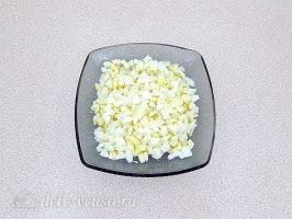 Слоеный салат с картофелем фри: фото к шагу 2