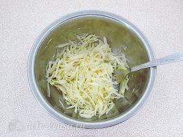 Слоеный салат с картофелем фри: фото к шагу 6