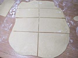 Бешбармак из курицы: Разрезать на прямоугольники