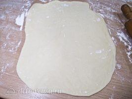 Бешбармак из курицы: Раскатать в очень тонкий пласт