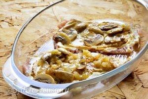 Отбивные из свинины с грибами и сыром в духовке: Добавить грибы