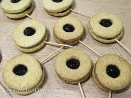 Песочное печенье на палочке: Печенье готовы