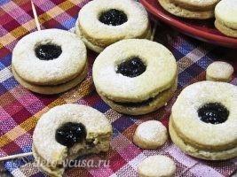 Песочное печенье на палочке готово