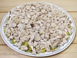 Салат Марго с курицей и грибами: фото к шагу 8