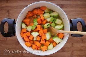 Суп пюре из тыквы и цукини: Добавить кипяток