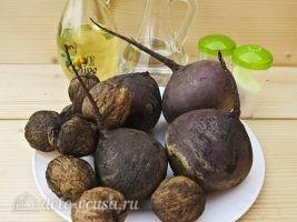 Салат из свеклы с грецкими орехами: Ингредиенты