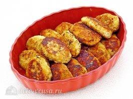 Котлеты из свинины с капустой: Переложить в форму