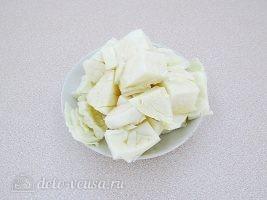 Котлеты из свинины с капустой: Порезать капусту