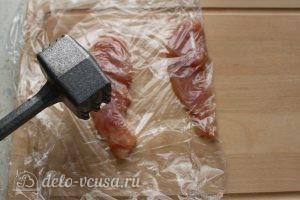 Отбивная из индейки на сковороде: Отбить мясо
