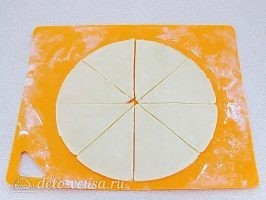 Рогалики с повидлом на сметане: Подготовить тесто