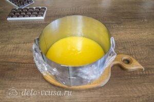 Шоколадный муссовый торт манго-маракуйя: фото к шагу 7.