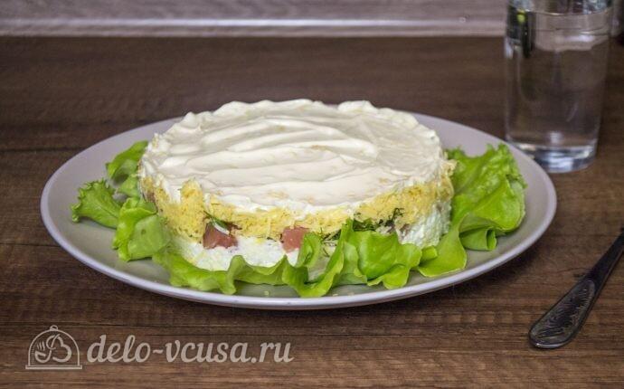 """Салат """"Нежность"""" с красной рыбой и сыром"""