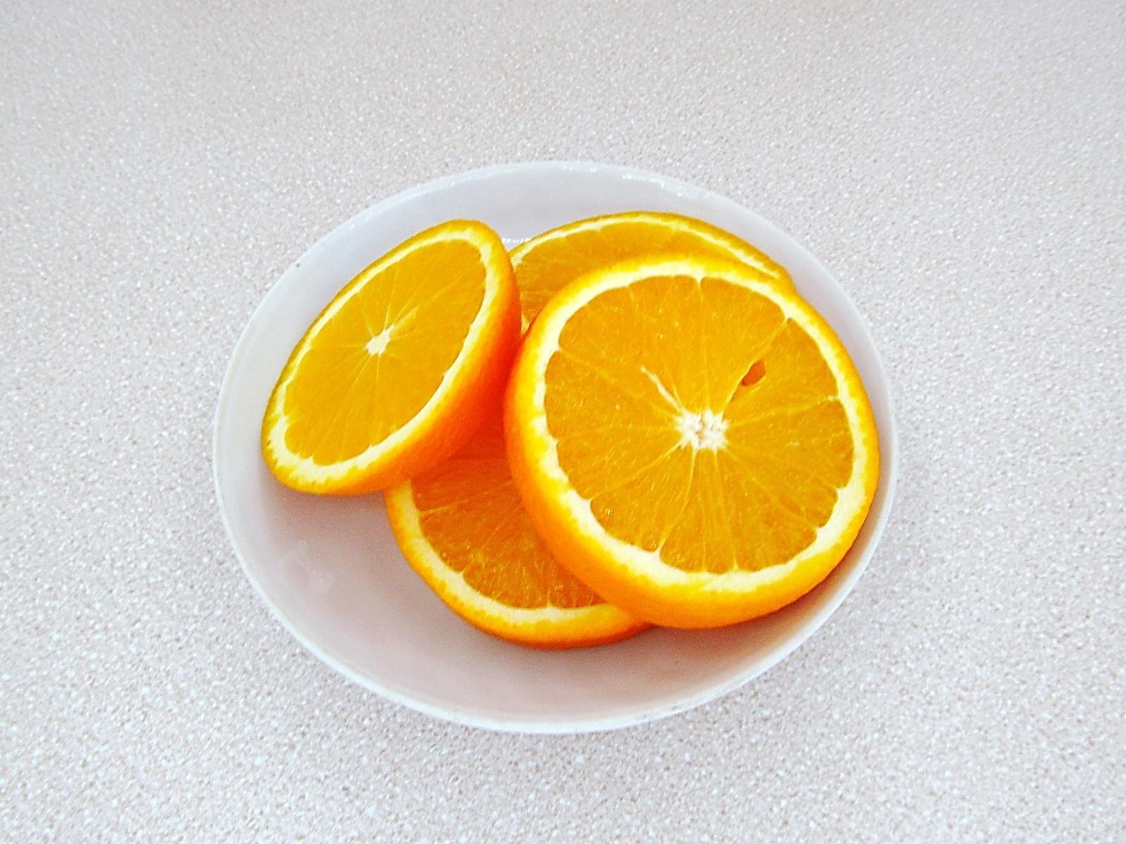 Березовый сок с апельсином на зиму: фото к шагу 2.